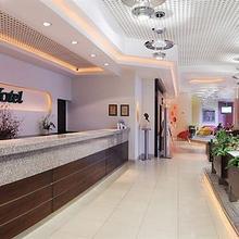 City Hotel in Zofin