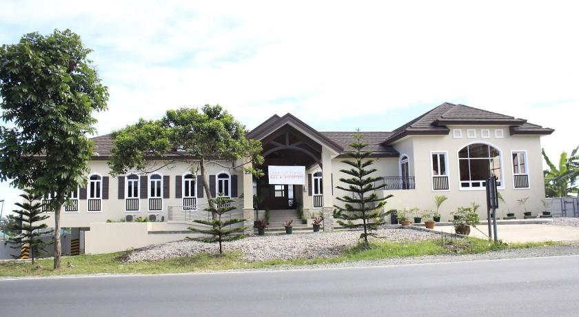 Country Chateau Hotel in Mayasang