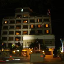 Darling Residency in Senur
