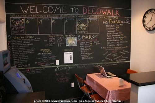 Deco Walk Hostel I Ocean Drive in Miami Beach