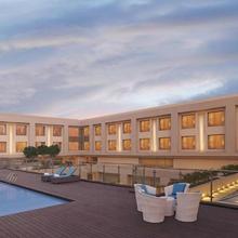 DoubleTree by Hilton Agra in Dhanauli