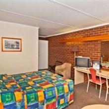 Econo Lodge Hacienda Motel in Geelong