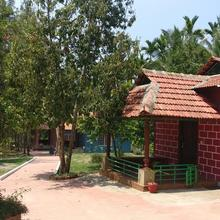 Ekanth Holiday Home in Kushalnagar