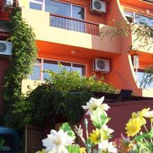Family Hotel Zelenika in Zdravets