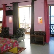 Ganpati Guest House in Dulhipur