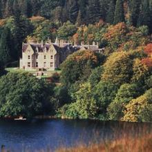 Glengarry Castle Hotel in Achlain