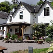 Glenmoriston Arms Hotel in Achlain