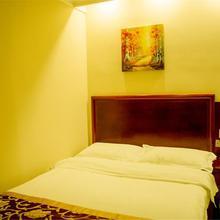 Greentree Inn Chongqing Yuzhou Road Hotel in Baishiyi