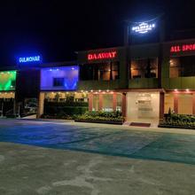 Gulmohar Garden and Motel in Kardhan