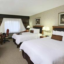Hampton Inn & Suites Rockville Centre in Wantagh