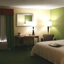 Hampton Inn Youngstown-North in Youngstown