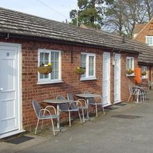 Haseley Coach House Motel in Barford