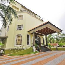 Holiday Hotel Cherai in North Paravur
