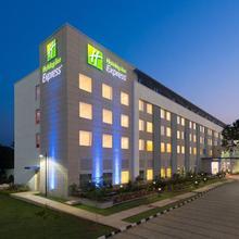 Holiday Inn Express Chennai Mahindra World City in Athur