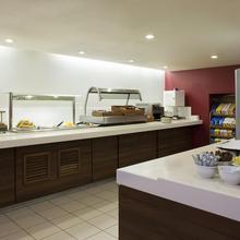 Holiday Inn Express Swindon West M4, Jct 16 in Shrivenham