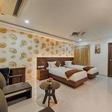 Holiday Residency in Veerapandi