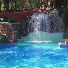 Horseland Hotel And Mountain Spa in Matheran