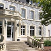 Hostellerie De Le Wast - Château Des Tourelles in Alembon
