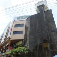 Hotel Aakar International in Godoli