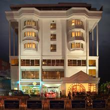 Hotel Abad Plaza in Edappally