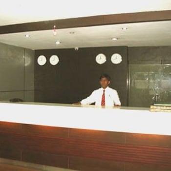 Hotel Appolo in Bairatisal