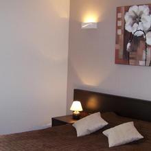 Hotel Bal in Alembon