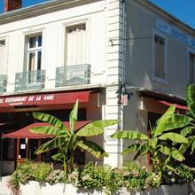 Hotel Café De La Gare in Pineuilh