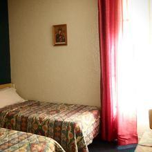 Hotel Calvaire in Juillan