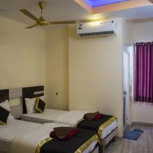 Hotel Comfort in Hussainabad