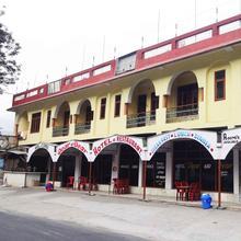 Hotel Dear & Dears in Rawalsar