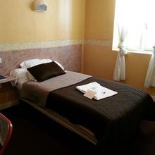 Hotel Du Dauphiné in Juillan