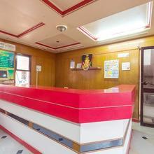 Hotel Dwarka Delux in Waghapur