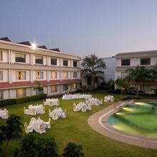 Hotel Express Residency-Jamnagar in Digvijaygram