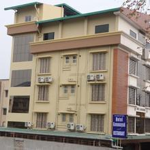 Hotel Gananayak in Uttar Bagdogra