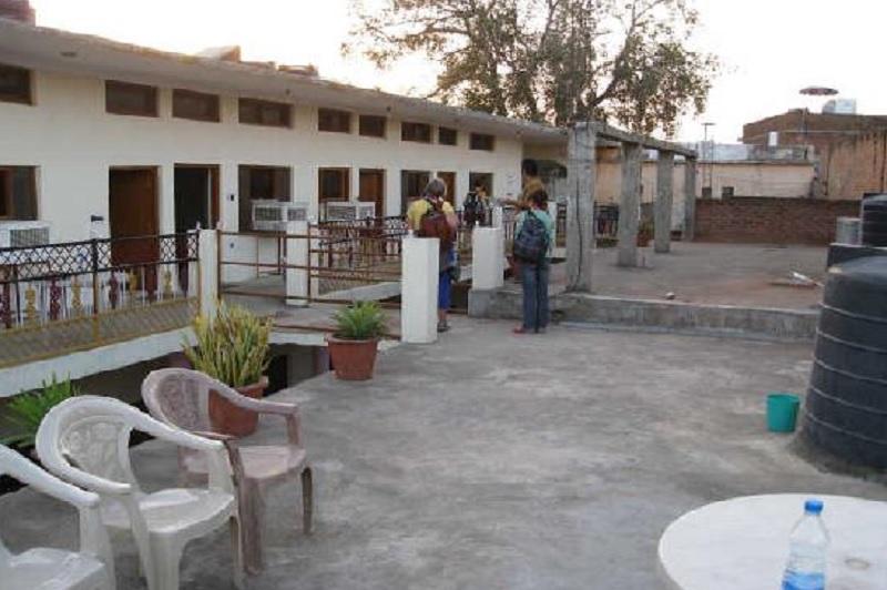 Hotel Ganpati in Barua Sagar