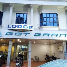 Hotel GGT Grand in Devarshola