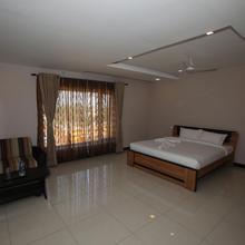 Hotel Golden Gateway in Senur