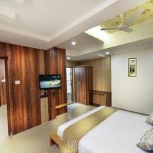Hotel Grand Gunas in Thirumalayampalayam