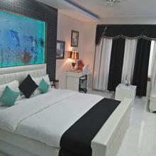 Hotel Grand Sai in Bhojpur Dharampur