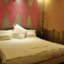 Hotel GS Grand in Shaktinagar