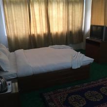 Hotel hill retreat in Uttarey