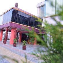 Hotel Ishant in Vijay Pore