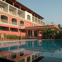 Hotel Martins Inn in Gokhivare