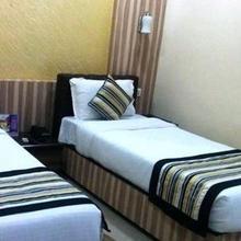 Hotel Mayor in Bairatisal
