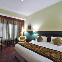 Hotel Milan Palace in Allahabad