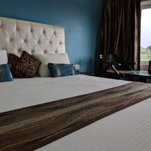 Hotel Mourya in Bhankharpur