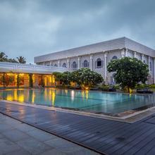 Hotel Naveen Lakeside in Hubli