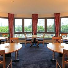 Hotel NEAR BY in Oesselse