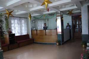 Hotel Niladrii Palace in Bairatisal