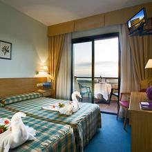 Hotel Oca Vermar in Paxarinas